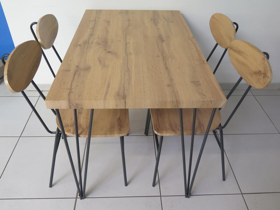 TABLE SALLE A MANGER+4CHAISES