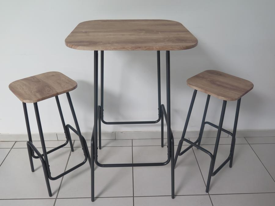 TABLE BAR+2 TABOURETS
