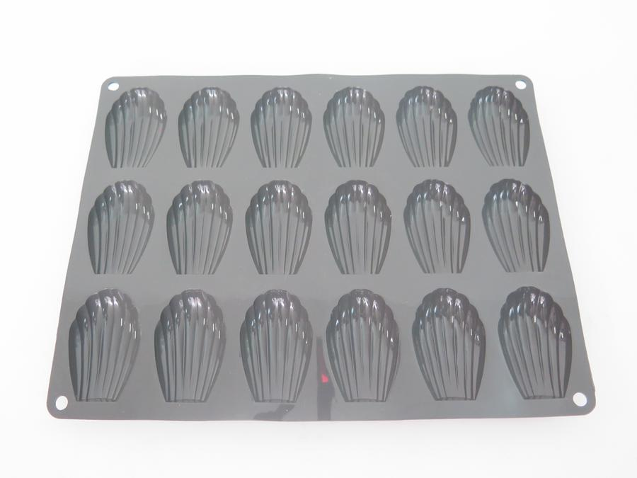 MOULE SILICONE 18 MADELEINES